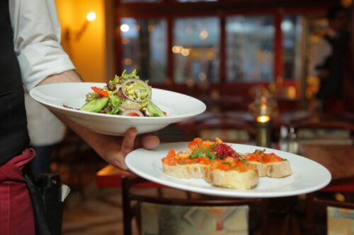 Restaurant promotion ideas – how to attract new customers